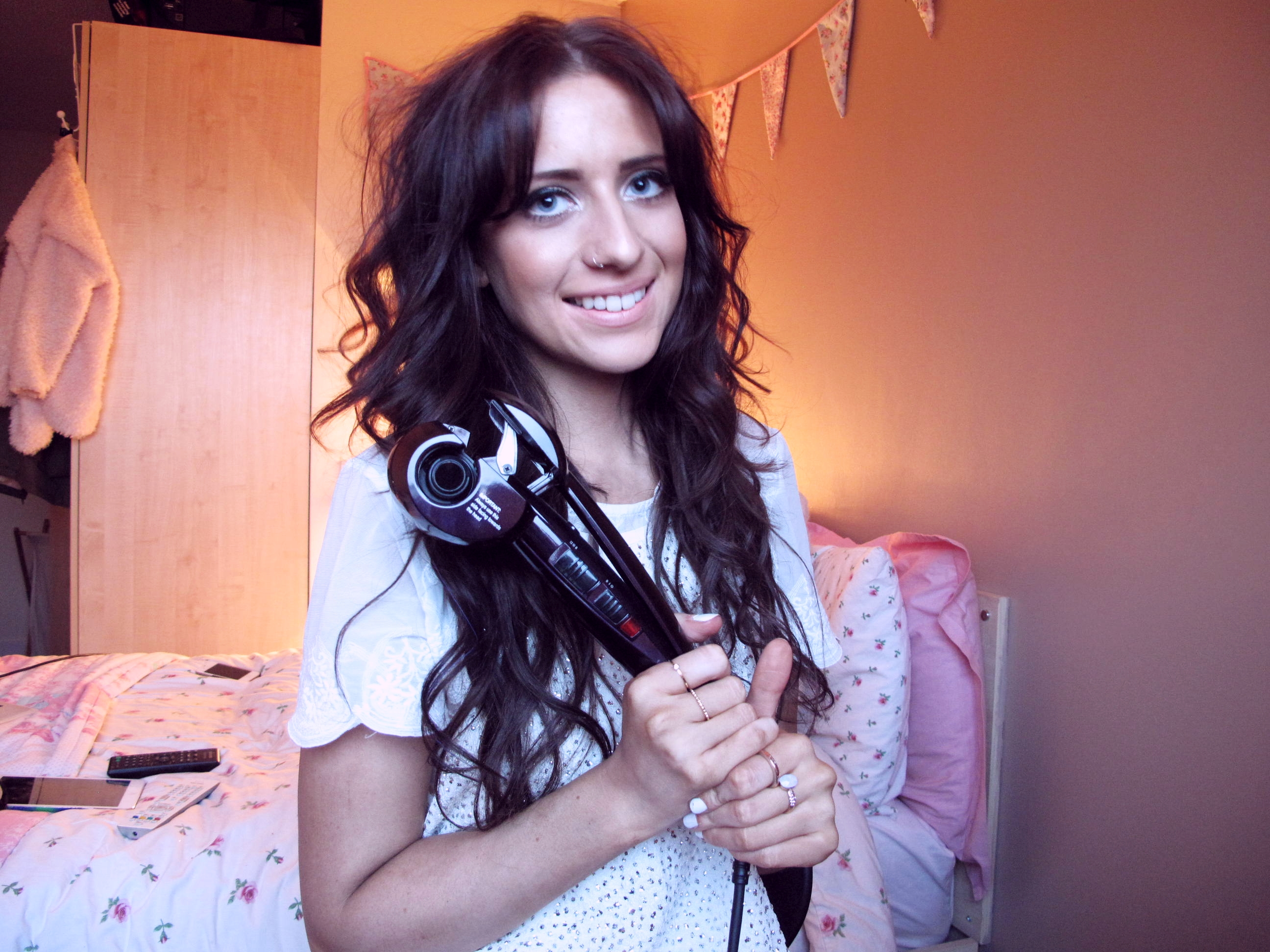video babyliss curl secret hair styler tutorial blushbeauty. Black Bedroom Furniture Sets. Home Design Ideas